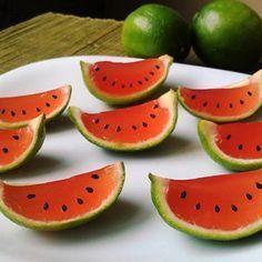 como-hacer-gelatinas-en-forma-de-gajos-de-naranja-3