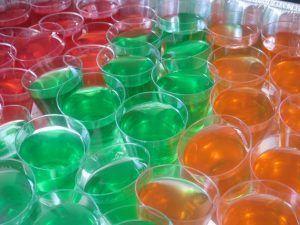 como-hacer-gelatina-de-mosaico-de-tres-colores-1