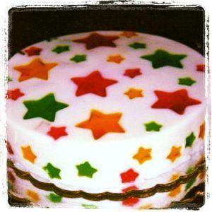 como-preparar-gelatina-de-mosaico-con-formas-de-estrellas-6