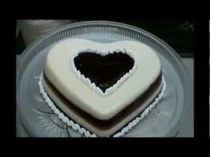como-hacer-gelatinas-decoradas-con-corazones-4