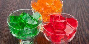 como-hacer-gelatina-de-mosaico-de-tres-colores-2