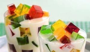 como-hacer-gelatina-de-mosaico-de-tres-colores-4