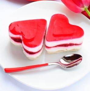como-preparar-gelatina-de-mosaico-con-formas-de-corazones-2