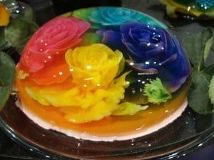 como-hacer-gelatina-artistica-roja-amarilla-y-verde-2