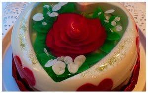 como-hacer-gelatinas-decoradas-flor-blanca-5