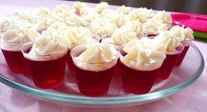 como-hacer-gelatina-con-crema-y-uvas-5