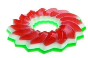 haciendo-rica-gelatina-de-colores-con-crema-1