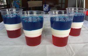 haciendo-gelatinas-de-colores-en-capas-3