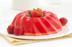 gelatina-de-frutas-con-fresas-y-melocoton-5