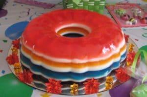 como-hacer-una-torta-de-gelatina-de-colores-1