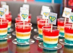 Recetas de gelatina de colores en capas