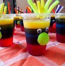 haciendo-rica-gelatina-de-colores-con-crema-3