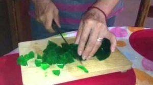 aprenda-como-hacer-gelatina-de-mosaico-con-frutas-2