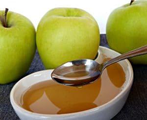 sencilla receta de gelatina con manzanas fuji